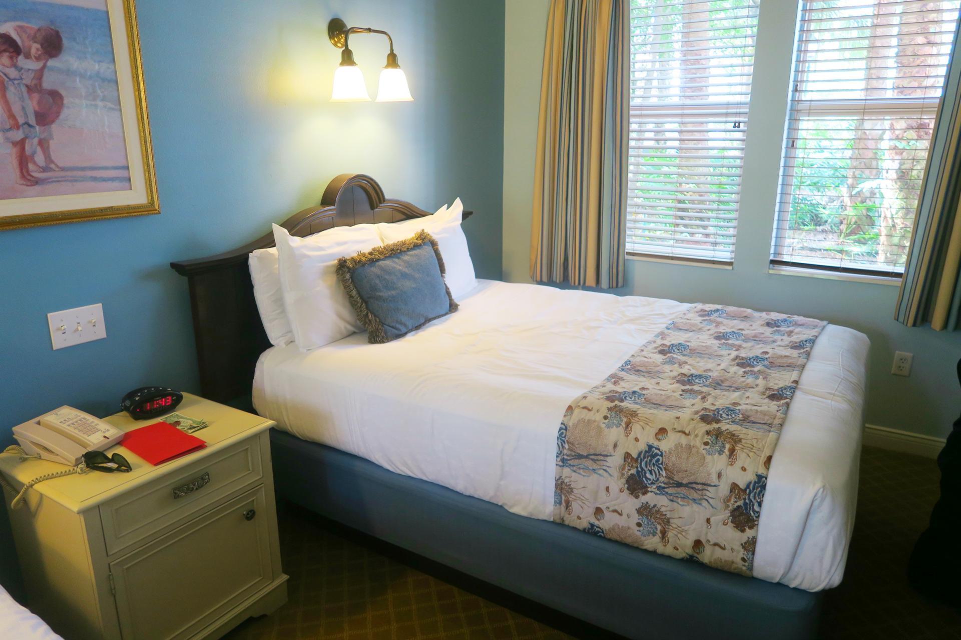 old-key-west-bedroom
