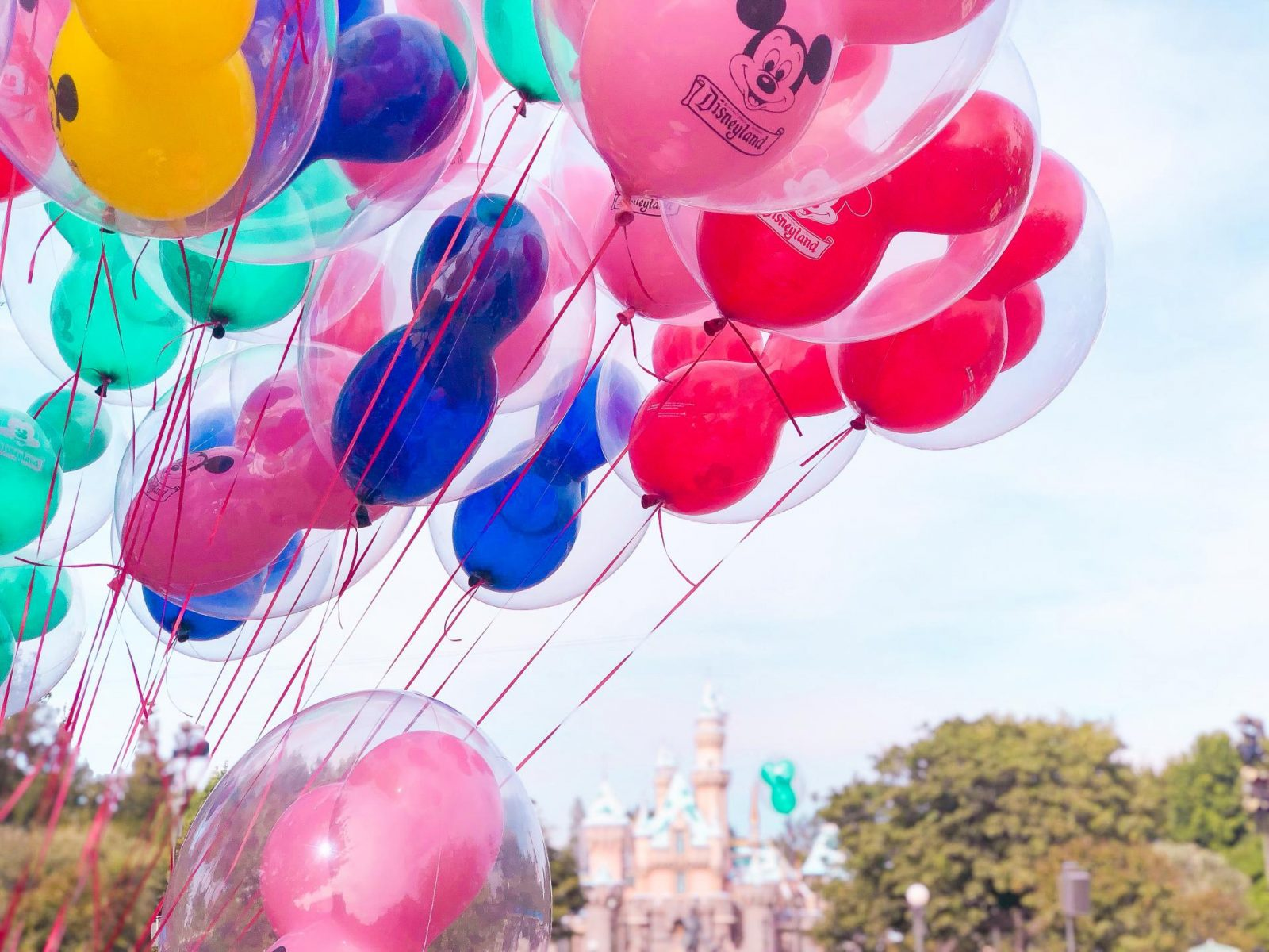 10 Must Do's at Disneyland for First-Timers - Mickey Balloons