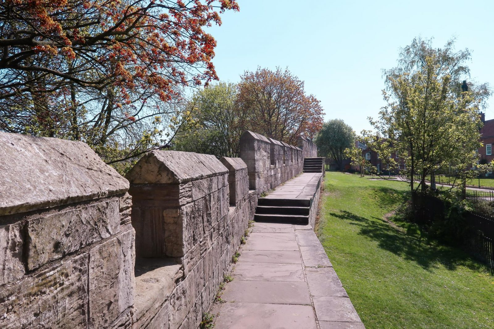 A DAY IN YORK - THE CITY WALLS