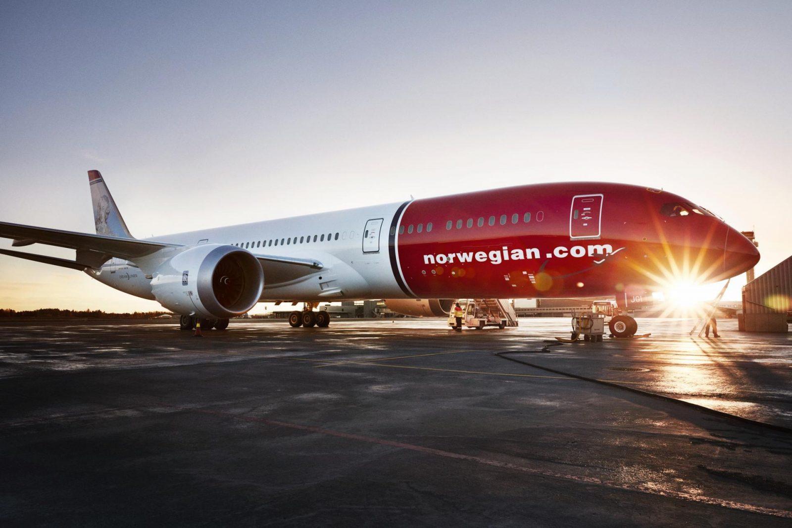 Norwegian Areoplane flying to California