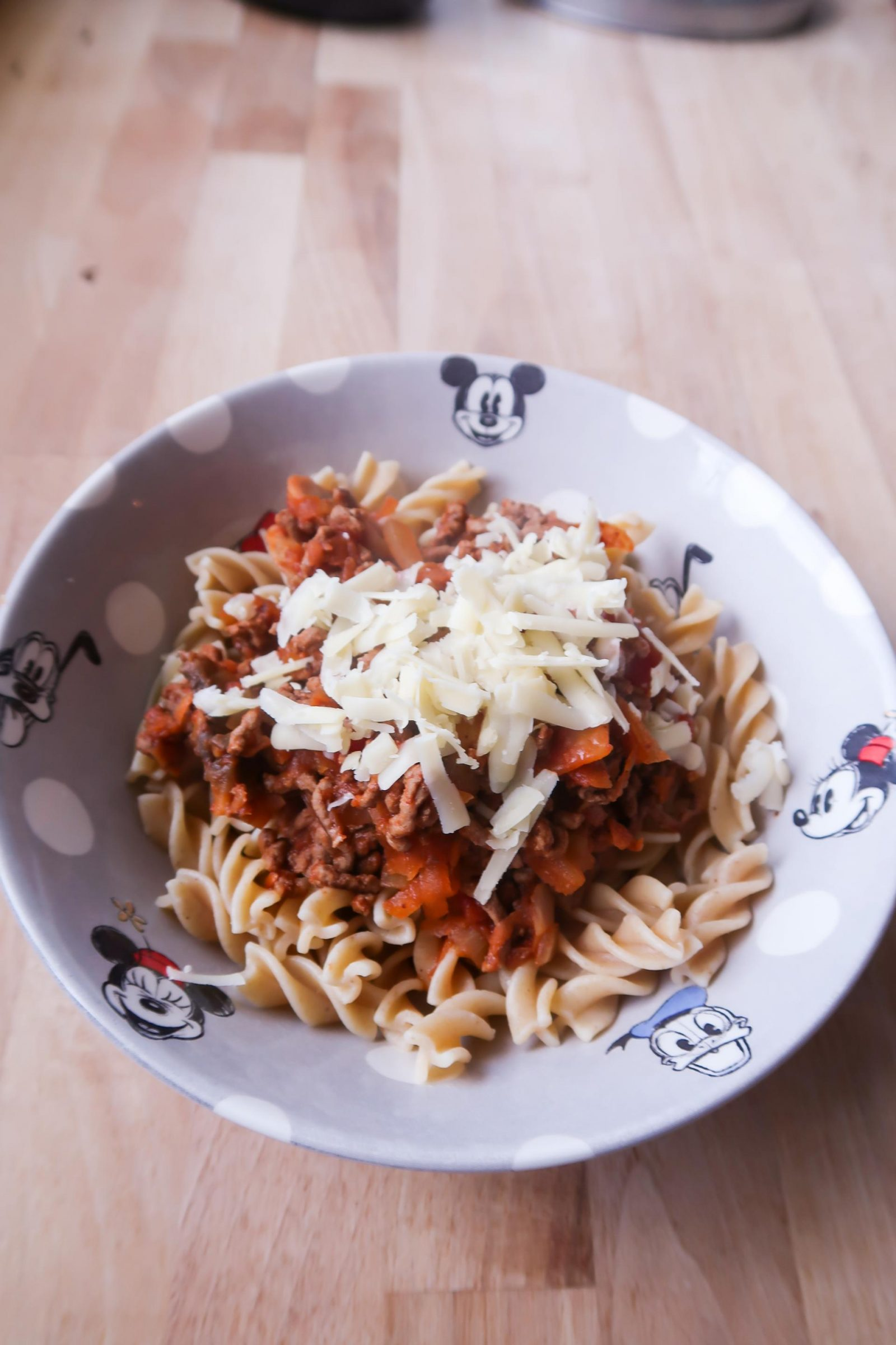 qucik and easy bolognese recipe served with pasta